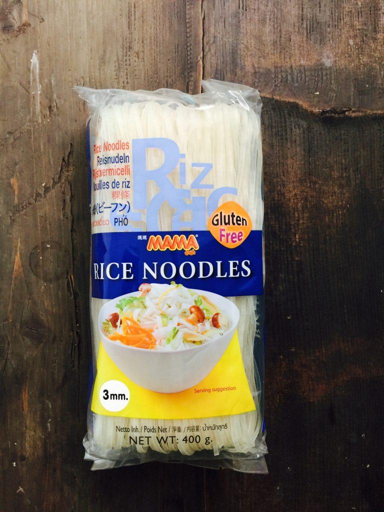 fideos de arroz de pho de pollo